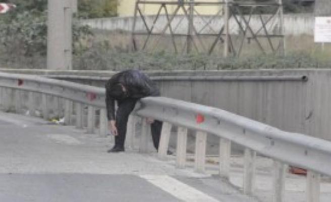Ayakta Zor Duran Otostopçu Polise Zor Anlar Yaşattı