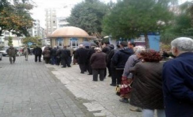 Aydın'da Ucuz Ekmek Kuyruğu