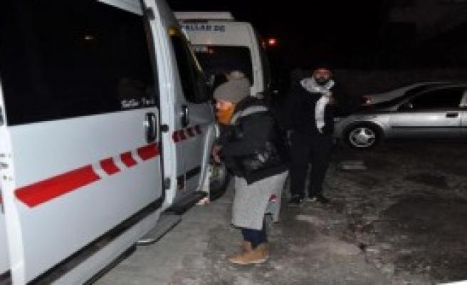 Ayvacık'ta 61 Kaçak Sahilde Yakalandı