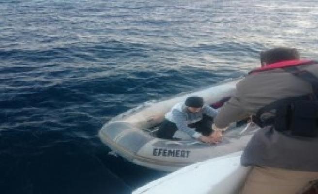 Ayvalık'ta 53 Kaçak Göçmen Yakalandı
