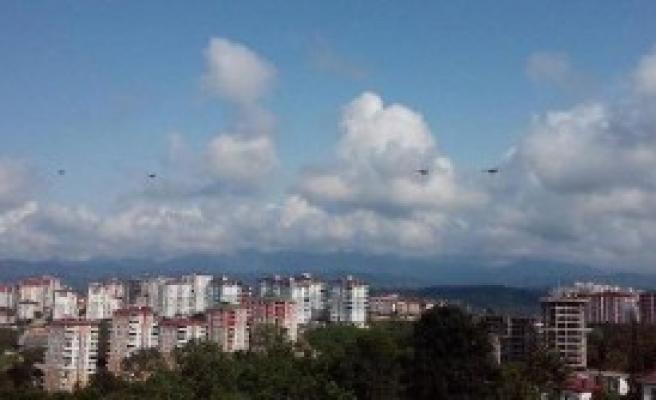 Azerbaycan Helikopterleri, Karadeniz'de Heyecan Yarattı