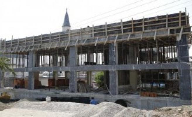 Aziziye'deki Semt Merkezi İnşaatı Sürüyor