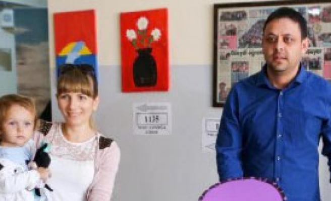 Antalya'da Seçime Gençlerden İlgi