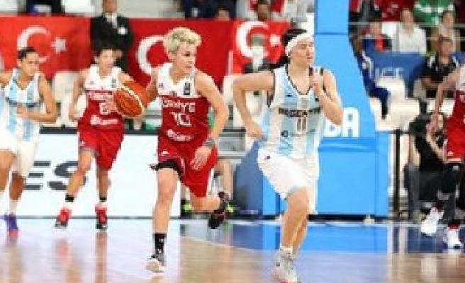 A Milli Kadın Basketbol Takımı Galibiyetle Başladı
