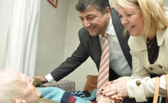 Bornova'dan Sosyal Yardım Atağı