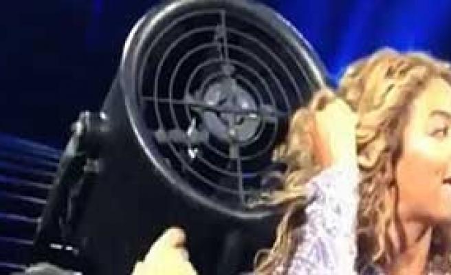 Beyonce Zor Anlar Yaşadı