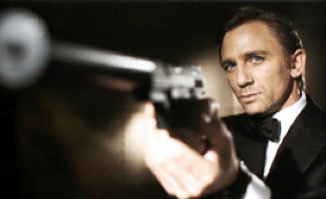007, İstanbul'u trafiğe kapatıyor