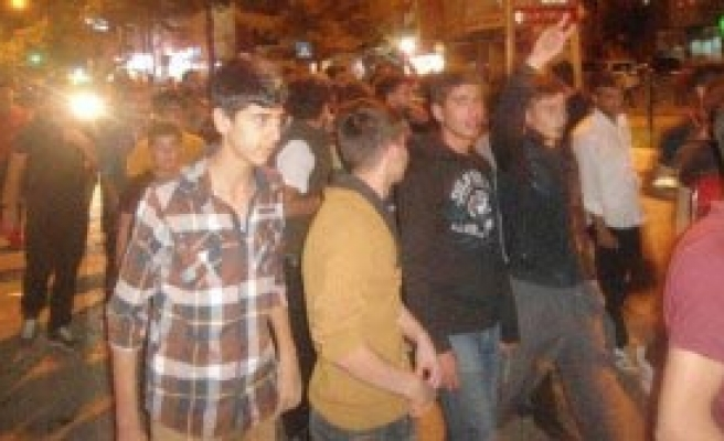 Kahta'da Protesto: 1 Polis Yaralı