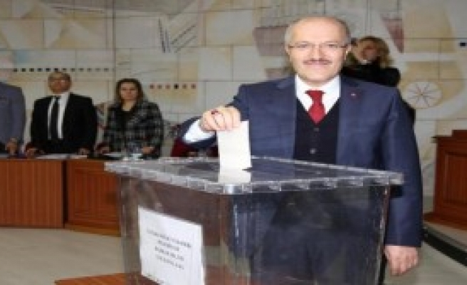 Balıkesir Büyükşehir Belediye Başkanı Zekai Kafaoğlu Oldu