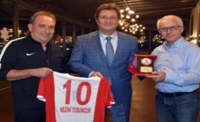 Balıkesirspor'dan Eski Futbolcularına Jest