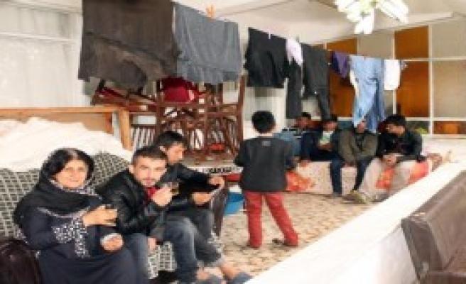 59 Afgan Kaçak Yakalandı