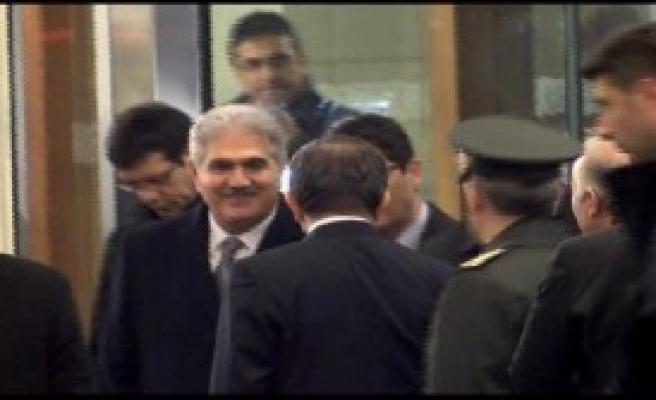 Başbakan Davutoğlu Ankara'ya Gitti