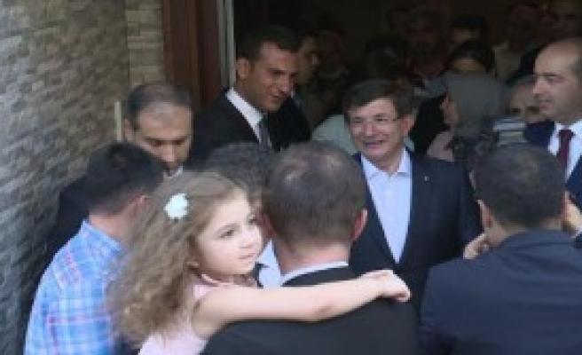 Başbakan Taziye Ziyaretine Gitti