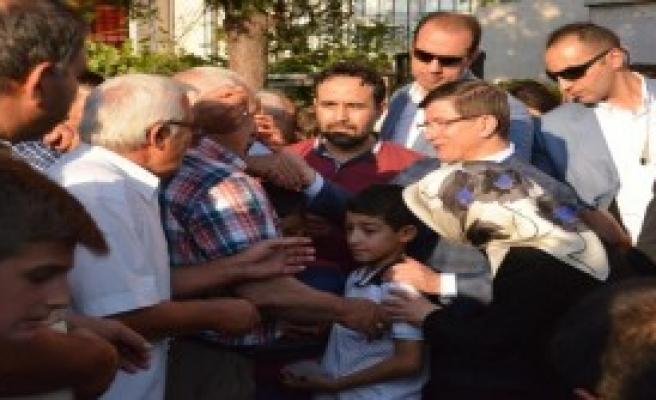 Başbakan, Şehit Ailelerini Ziyaret Etti
