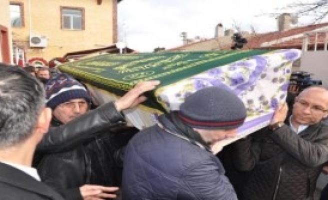 Akdoğan, Eskişehir'de Cenazeye Katıldı