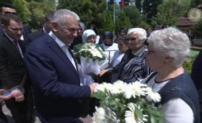Başbakan'dan Anlamlı Bayram Ziyareti