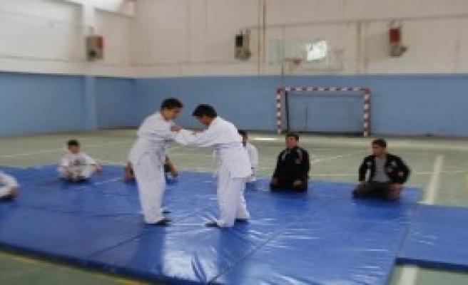 Başkale'de Judo Takımı Dağılıyor