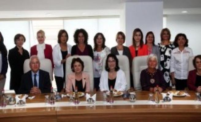 Başkan Eşleri Karabağlar'da Buluştu