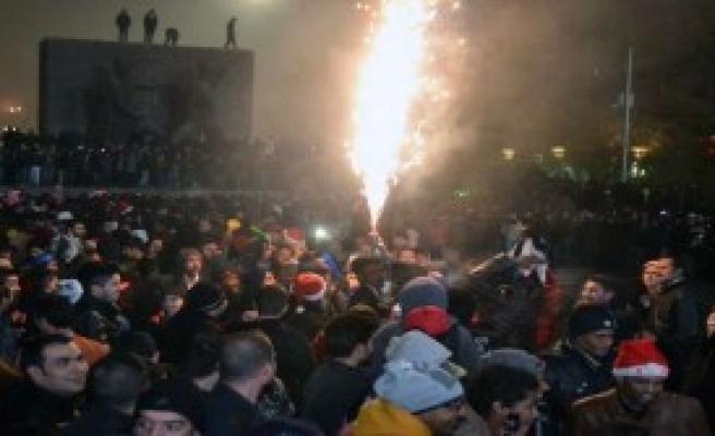 Başkent Yeni Yıla Böyle Girdi