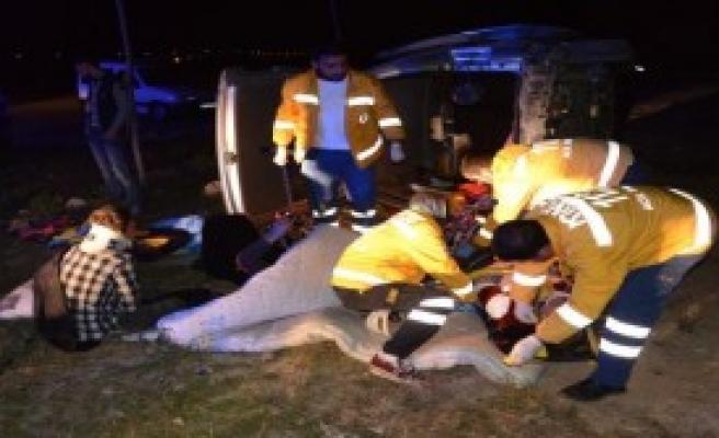 Bayram Tatili Yolunda Kaza: 7 Yaralı