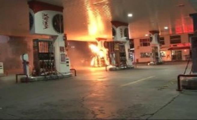 Benzin İstasyonuna Molotoflu Saldırı