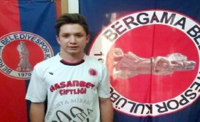 Bergama Belediyespor'a Genç Kan