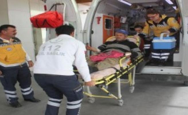 Kopan Parmağıyla Hastaneye Kaldırıldı