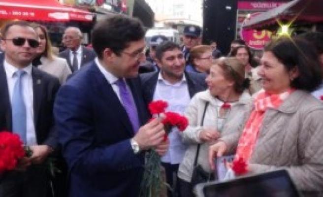 Beşiktaş Esnafından Kadınlara 'Özür' Jesti