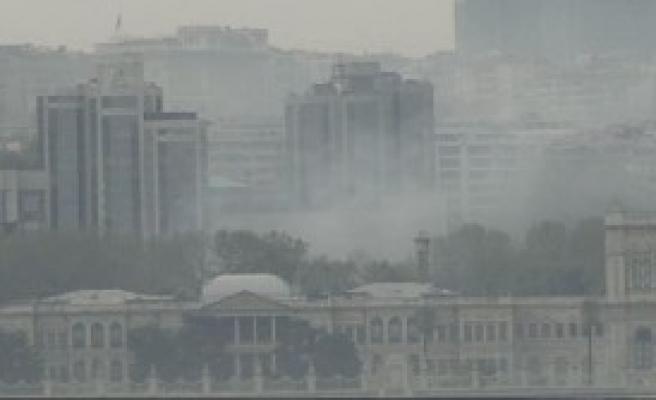 Beşiktaş Üzerinde Sis Bulutu