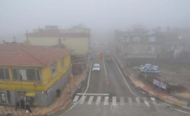 Besni'de Yoğun Sis Ve Yağmur