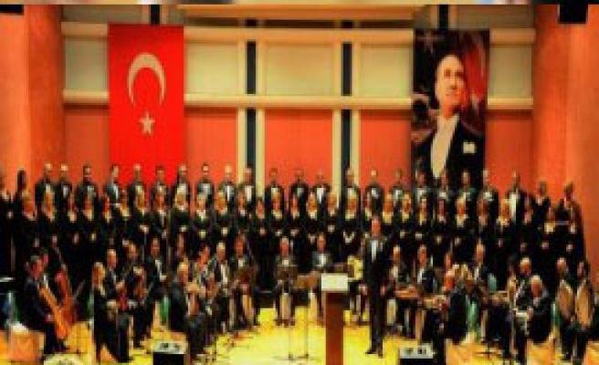 İzmir Devlet Korosu'ndan 30. Yıl Konseri