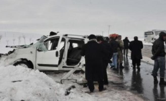 Bitlis'te Kaza: 1 Ölü, 1 Yaralı