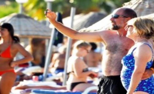 Bodrum Plajlarında Yaz Sürüyor
