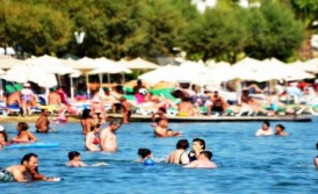 Bodrum'da Halk Plajları Doldu Taştı