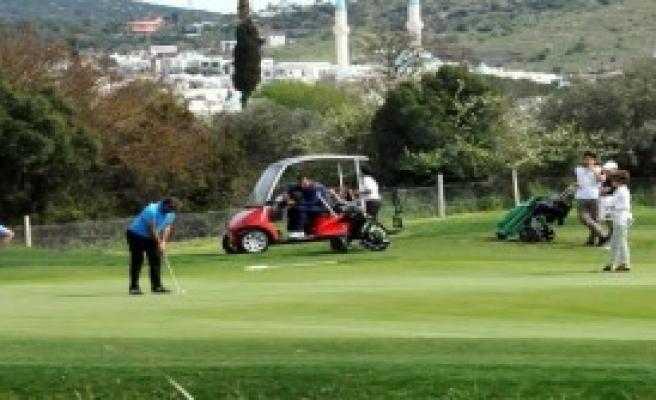 Dünya Kadınlar Günü Golf Turnuvası