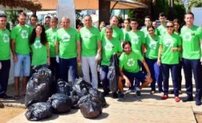 Bodrum'da Fidan Dikimi Ve Çevre Temizliği