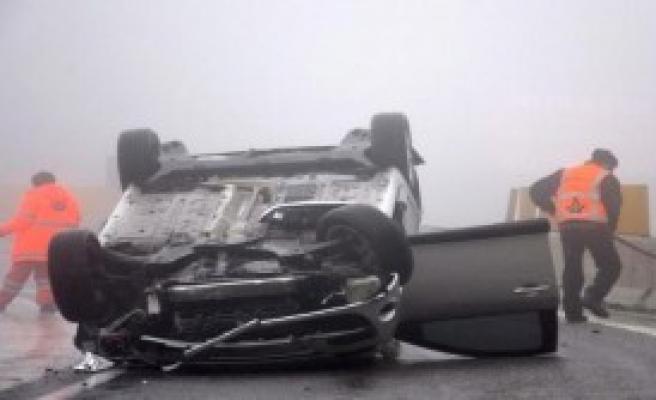Bolu Dağı'nda Otomobil Takla Attı!