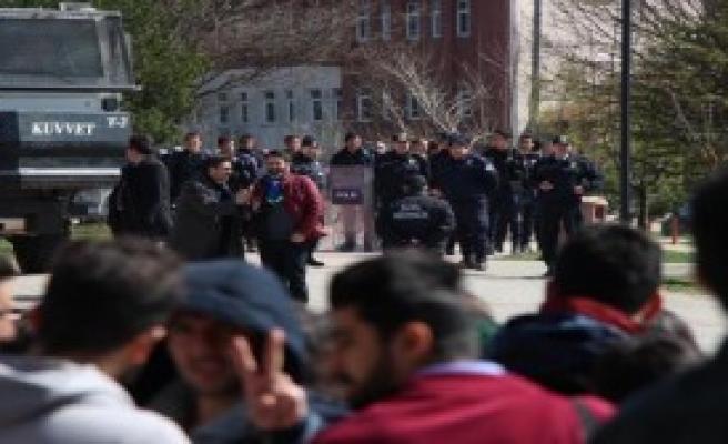 Bolu'da Üniversitede Nevruz Gerginliği