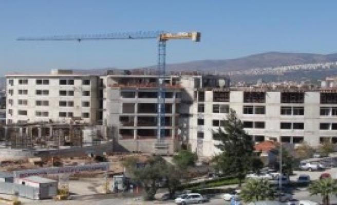 Bornova Devlet Hastanesi'nin İnşaatı Sürüyor