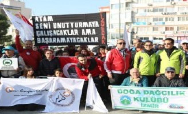 Bornova'da Ata'ya Saygı Yürüyüşü