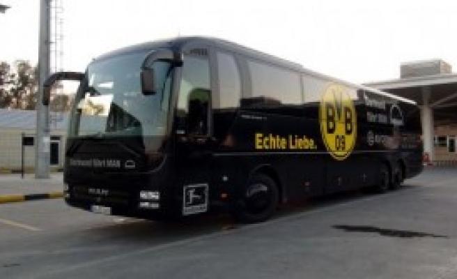 Dortmund Otobüsü Sisteme Takıldı