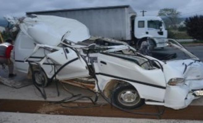 Bu Kazadan Hafif Sıyrıklarla Kurtuldu