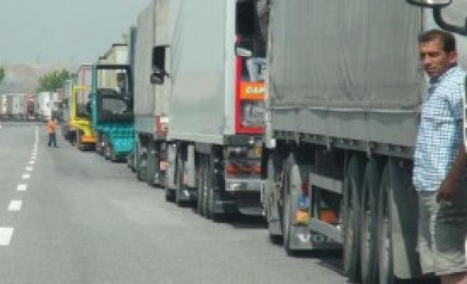 Bulgar Gümrüklerinde Rüşvet Kuyruğu