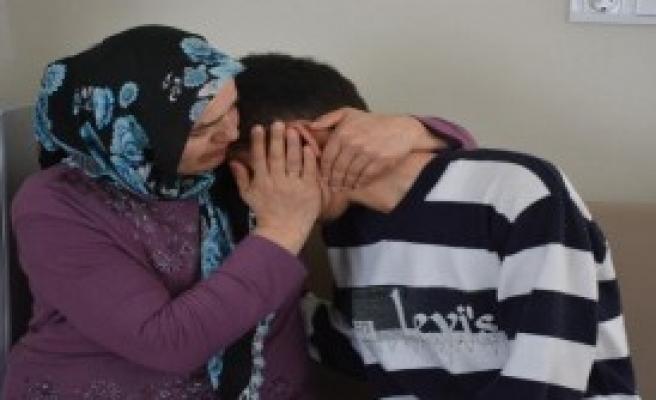 Bursa'da Evden Kaçan Liseli İzmir'de Bulundu
