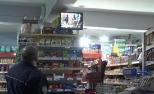 Silahlı İki Gaspçı Marketi Soydu