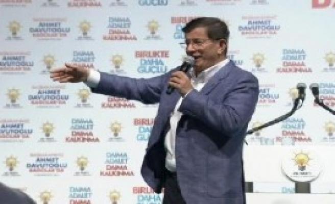 Başbakan Davutoğlu Bağcılar'da Konuştu
