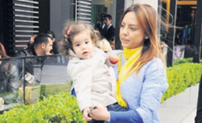 Kızı Alara'yla İlk Kez...