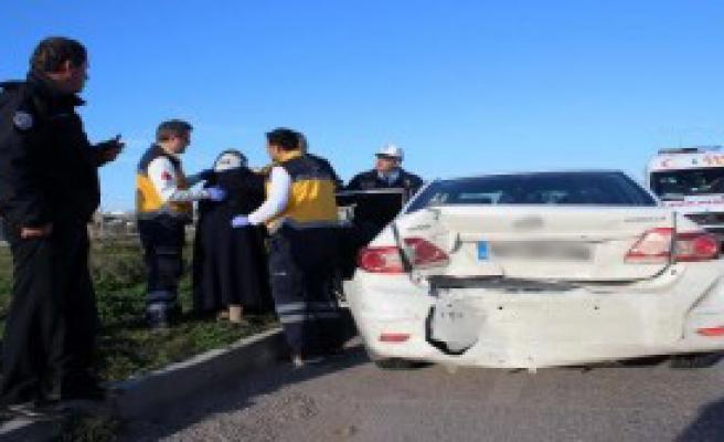 Polisten Kaçtı Kaza Yaptı: 1 Yaralı