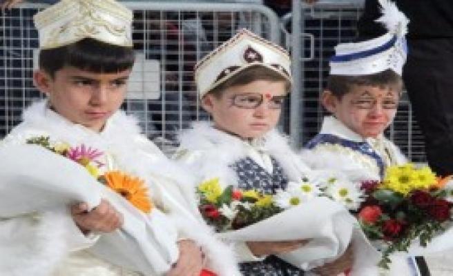 Çadırkentte Kalan 425 Suriyeli Çocuk Sünnet Oldu
