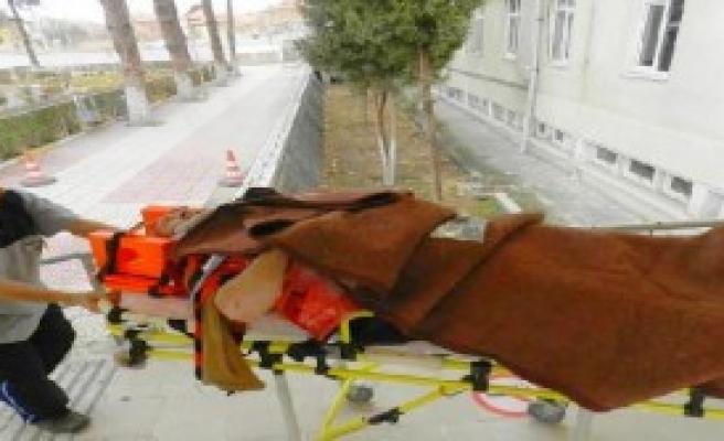 Çalıştığı İnşaattan Düşen Usta Ağır Yaralandı